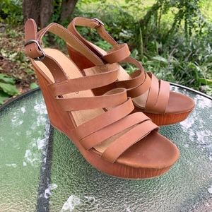 Lucky Brand Leather Strappy Larinaa Wedge Sandal 7